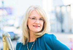 Headshot of Dr. Jeannine Bennett